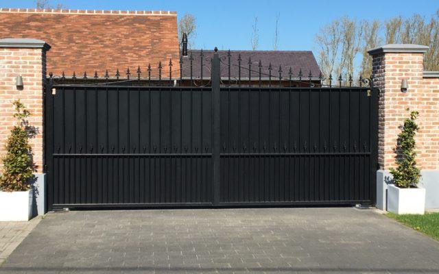 Niet doorzichtige poort